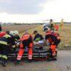 Zderzenie ciężarówki z osobówką. Kierowca w stanie ciężkim zabrany LPR-m do szpitala w Opolu.