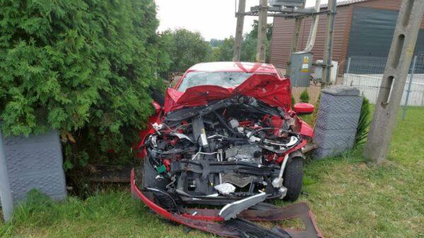 Zderzenie ciężarówki i osobówki w Rozwadzy. Dwie osoby zostały ranne.(Zdjęcia)