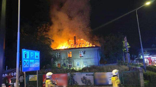 Pożar budynku w Krapkowicach.(Zdjęcia)