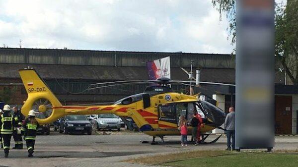 Kierująca autem wjechała w budynek w Ozimku. Autem podróżowało 5 osób w tym dzieci. Na miejscu lądował LPR.(Zdjęcia)