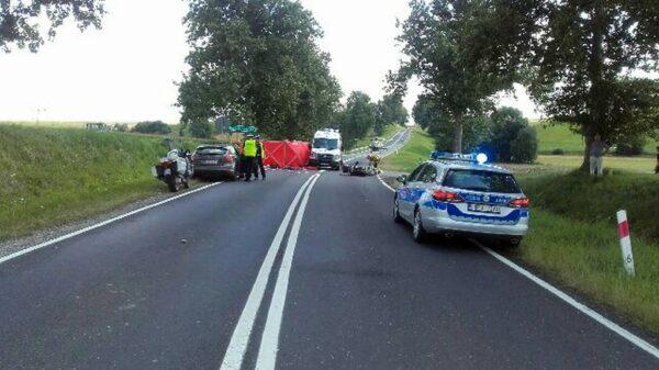 Wypadek motocyklisty na DK 40, w ciężkim stanie zabrano go LPR-em do szpitala.(Zdjęcia)