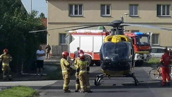 Lądowanie LPR-u między budynkami w Brzegu. Dwu letnie dziecko potrzebowało natychmiastowej pomocy medycznej.(Zdjęcia)