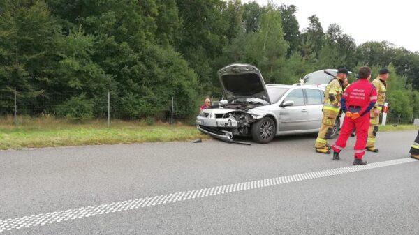 Na autostradzie A4 samochód wjechał w barierę energochłonną. Na miejscu lądował LPR ratownik23.(Zdjęcia)