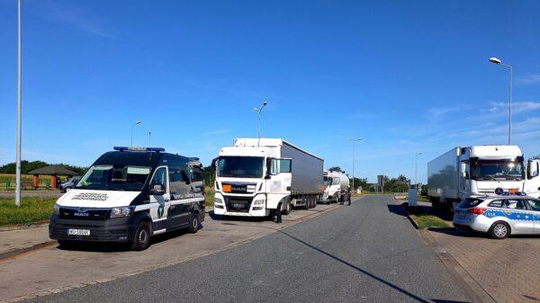 Akcja kontrolna ADR przez inspektorów WITD na autostradzie A4.