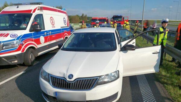 Zderzenie trzech samochodów osobowych na autostradzie A4.