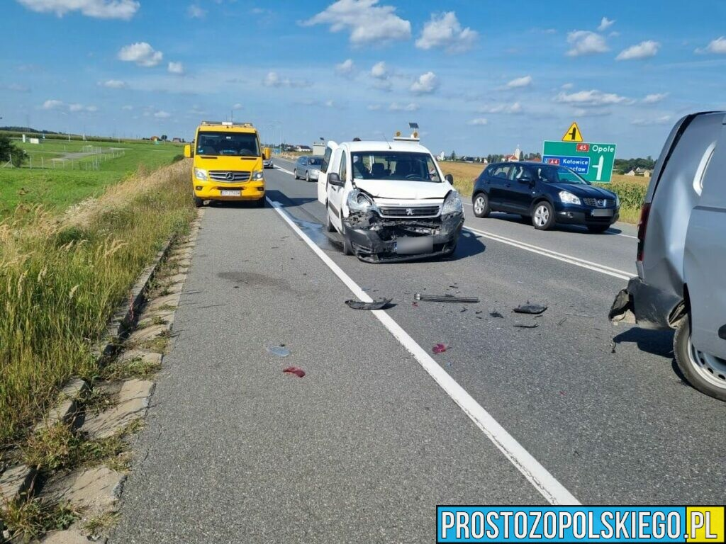 Zderzeni trzech samochodów na dk 45 w Rogowie Opolskim.(Zdjęcia)