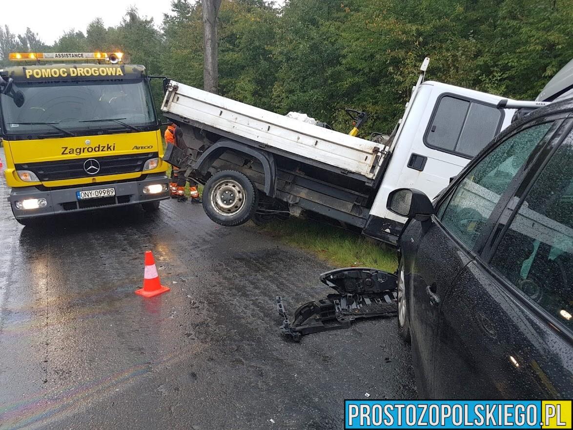 Zderzenie 3 aut w powiecie Nyskim. Ranne dziecko trafiło do szpitala.(Zdjęcia)