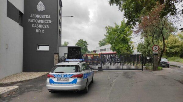 Nietypowe zdarzenie na placu Komendy Wojewódzkiej Straży Pożarnej w Opolu.(Wideo)