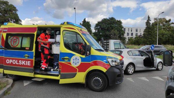Kierowca z bmw sprawcą zdarzenia drogowego na ul. Armii Krajowej w Opolu.(Zdjęcia)