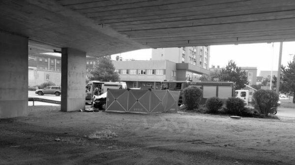 Mężczyzna autem wjechał w filar wiaduktu na opolskim rondzie. Nie udało się go uratować.(Wideo)