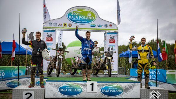 Tomasz Wikowicz z opolskiego HAWI Racing Team zajął drugie miejsce w długodystansowym rajdzie Baja Poland.