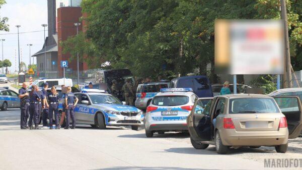 Zabarykadował sięz broniąpalnąw mieszkaniu na ul.Kępskiej w Opolu.(Wideo)