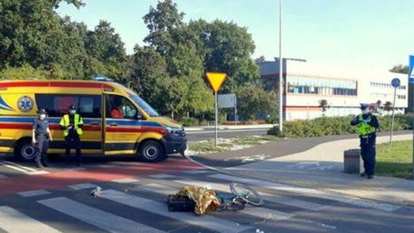 78-latka autem potrąciła 73-letnią rowerzystkę na oznakowanym przejeździe rowerowym.